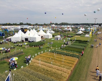 Beutech Agro and Bayer with Phytobac® on DLG Feldtage